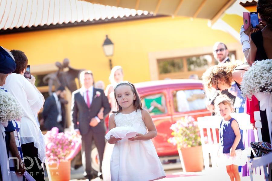 niña en la boda