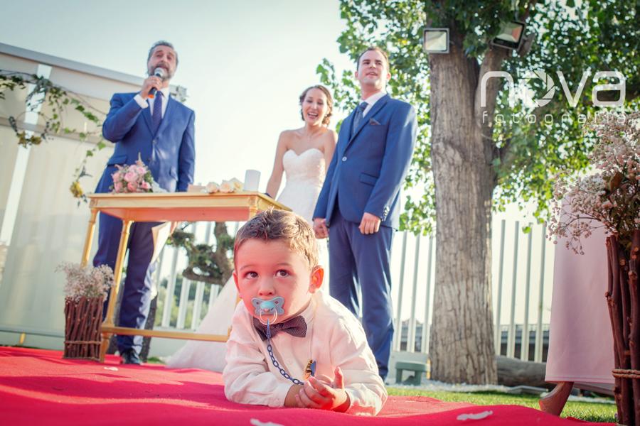 niño en la boda